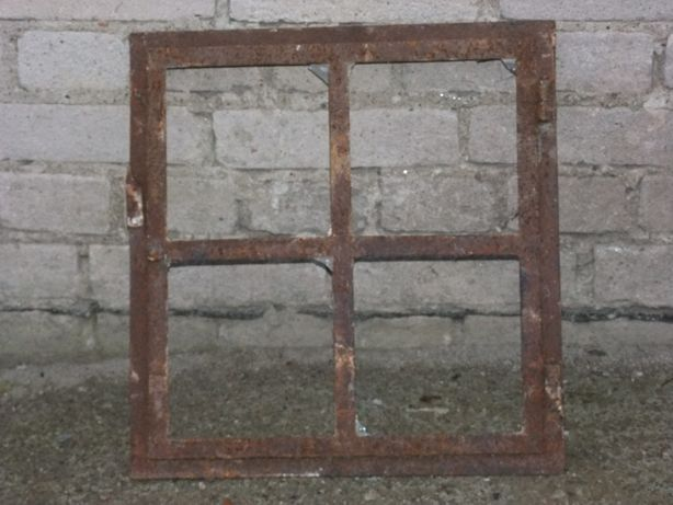 Okno metalowe-stare