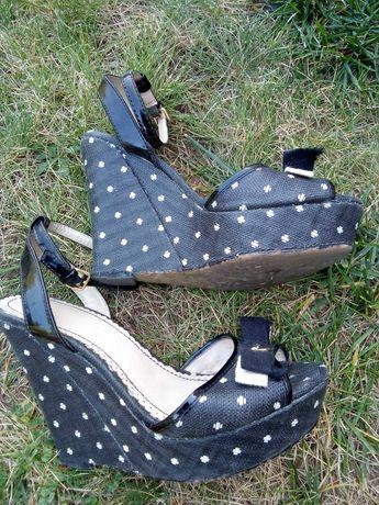Sandałki na koturnie rozmiar 36