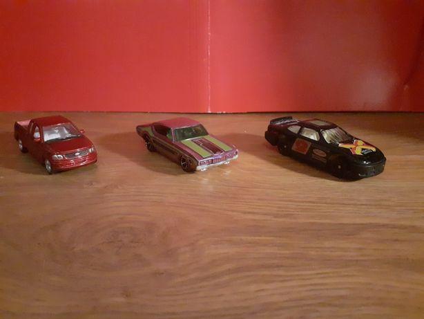 Figurki samochodziki