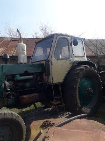 Трактор Юмз 6л рабочий, в хорошем состоянии