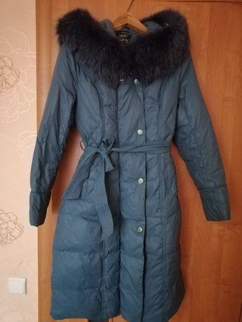 Пальто пухове, комір натуральний