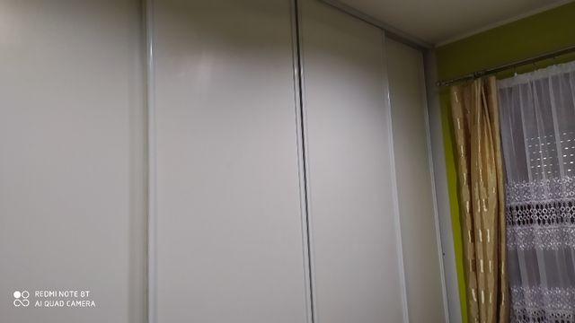 szafa przesuwna rozsuwana do zabudowy biała szafa do zabudowy
