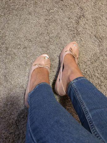 Кожаные туфли с открытым носком, 38 р