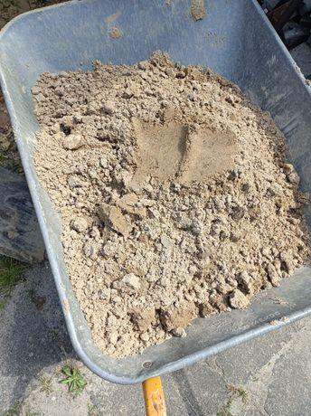 Piasek około 2 czubate taczki może trzy do piaskownicy czy innej małej