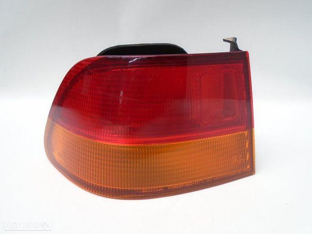 Farolim esquerdo HONDA CIVIC VI Coupe (EJ, EM1) 1.6 i Vtec (EM1) D16Y8