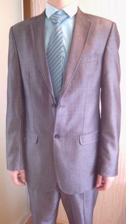 Продам элегантный мужской костюм