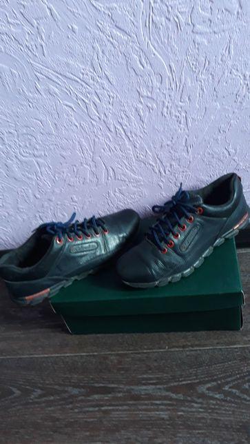 Продам туфли,кроссовки