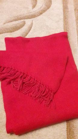 Красивый шарф...