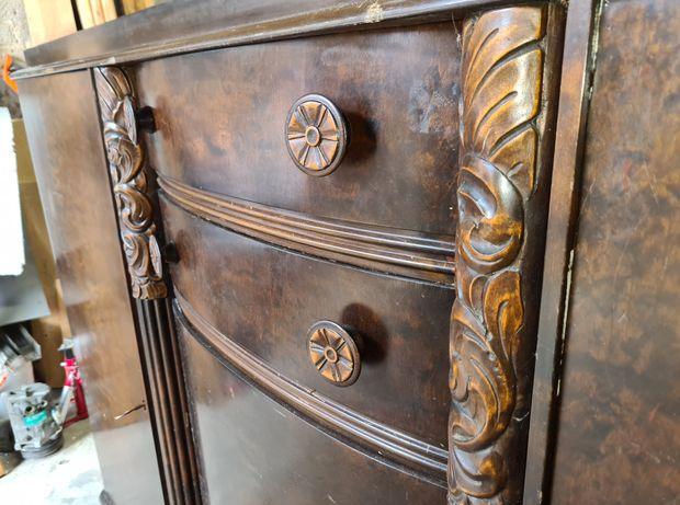 stara komoda drewno