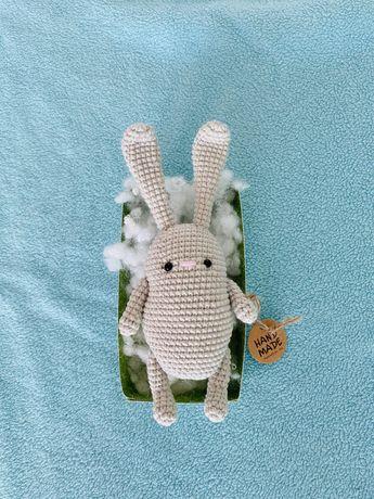Вязаная игрушка амигуруми зайчик ручная работа