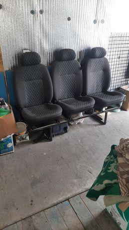 Продам 5 сидушек на микроавтобус с рамами в одном цвете с ремнями