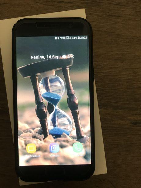 Смартфон Samsung А5 2017