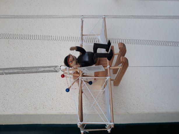 """Brinquedos em madeira """" Máquinas Voadoras """""""