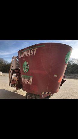 Wóz paszowy unifast 12 paszowóz