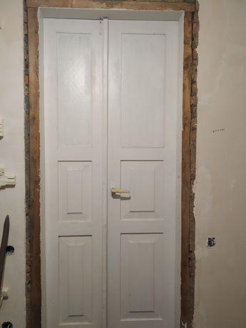 Двері двойні дерев'яні