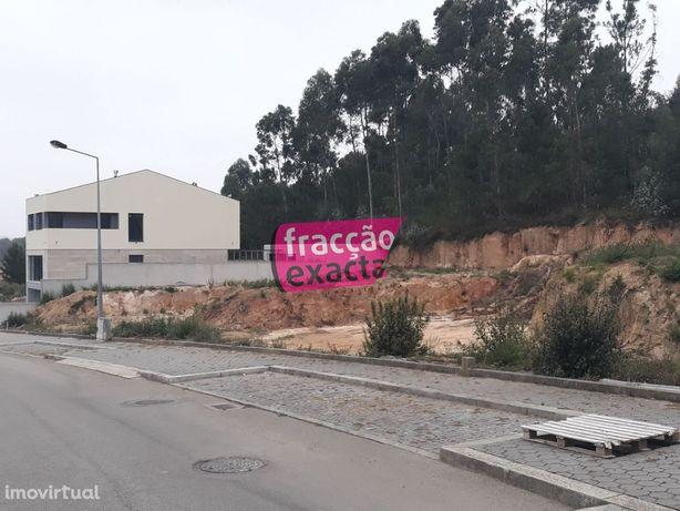 Terreno para construção de moradia em Valadares