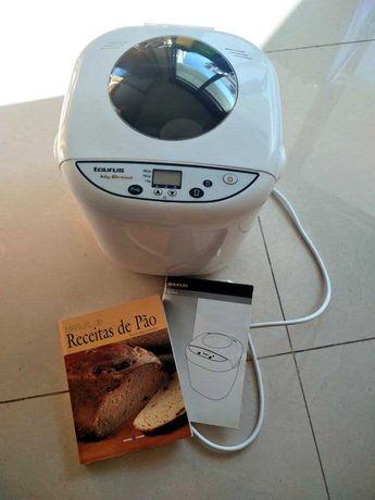 Máquina de fazer pão Taurus com livro de receitas