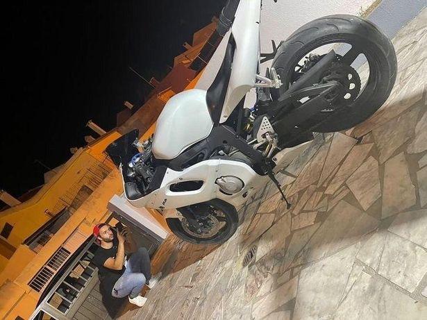 Yamaha R6 2500€.