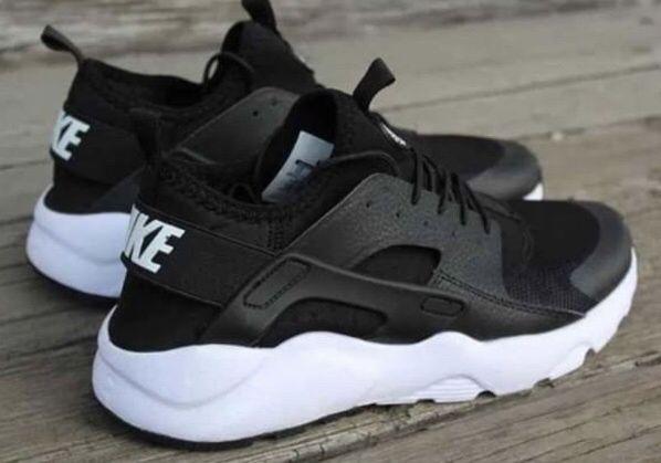 Nike Huarache Czarne - Białe. Rozm. 44. SUPER CENA! Damskie i Męskie!