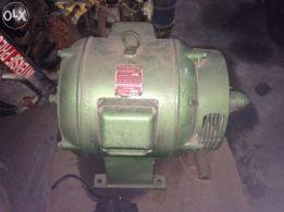 Gerador 35 KVA; 60 Voltes; 11.5 Amperes; MONOFÁSICO E TRIFÁSICO