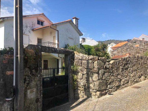 Vivenda  em São Bartolomeu do Mar numa área total de 692 m2