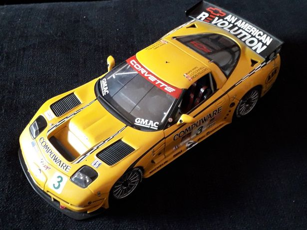 Corvette C5R Autoart 1/18