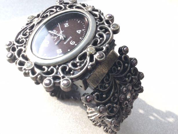 Часы женские с браслетом б/у, кварц,ЯПОНИЯ-SHEFFILD-идеал