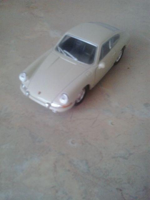 Samochód Porsche 911 rok 1964 skala 1/36 Łomża - image 1