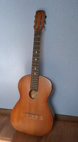 Гитара шестиструнная