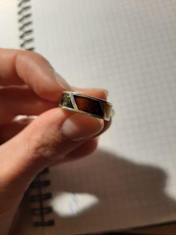Stara srebrna obrączka pierścionek z bursztynami