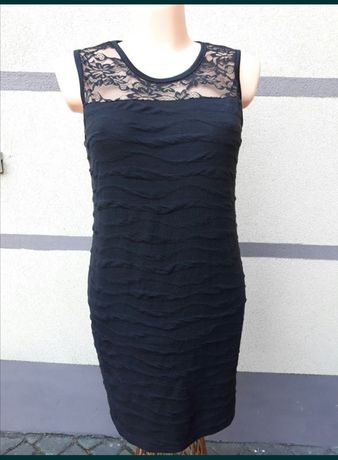 Sukienka wizytowa elegancka mała czarna z koronką 40,42