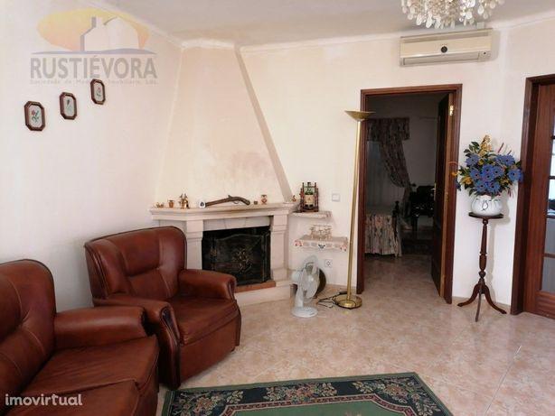 Moradia T2 Unifamiliar | 1. andar | Vila de Frades | Vidi...