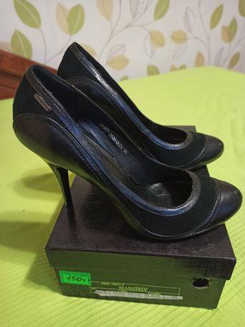 Кожаные туфли на шпильке 38р