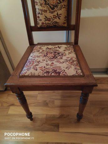 Stare krzesło bardzo stare