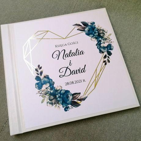 Piękna księga gości na wesele geometryczne serce i granatowe kwiaty