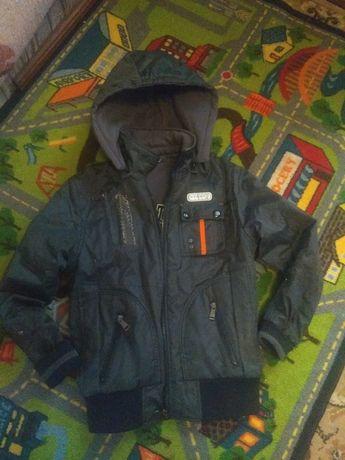 Куртка, ветровка,(на две стороны) на мальчика 146 рост