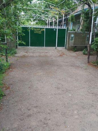 продам дом с землей в пригороде Одессы Плахтеевка