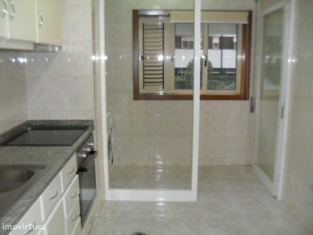 T1 remodelado junto ao metro Senhora da Hora - Matosinhos