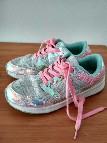 Buty sneakersy holographic styl Chanel Dior