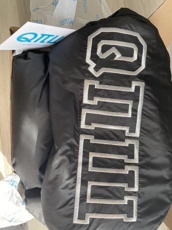 Robert kupisz płaszcz czarny logo