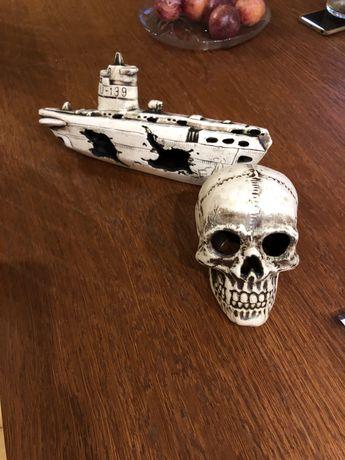 Sprzedam statek do akwarium i czaszke