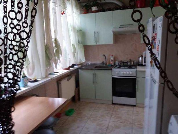 Продам 2-к квартиру в районе метро Гагарина (пешком 15 минут)