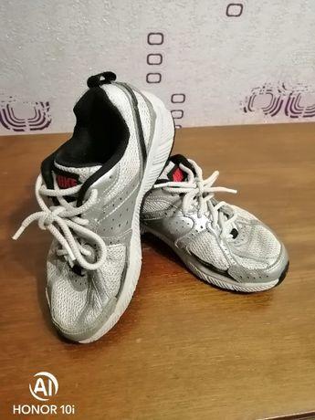 """Подростковые кроссовки """"Nike"""""""