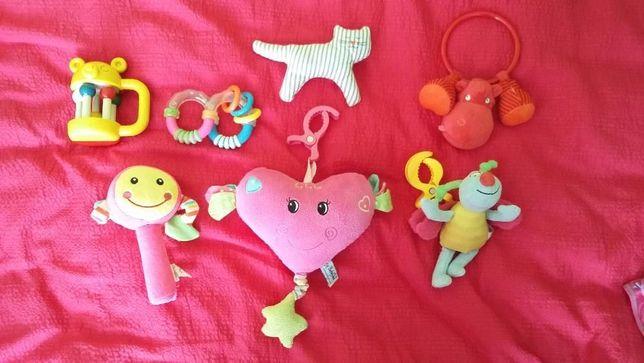 Zabawki, grzechotki,zawieszki wibrujące i grające serce