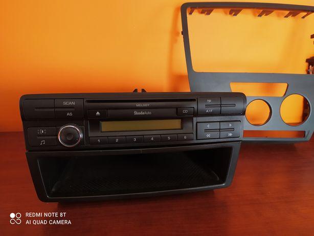 Radio konsola schowek SKODA OCTAVIA