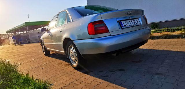 Audi A4 B5 1.8b+g RARYTAS ŚRODEK