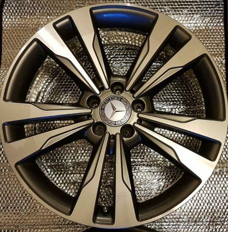 4 szt. Mercedes 19' nowe dekielki, śruby i zaworki - oryginalne W222