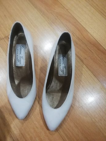 Sapatos brancos noiva 36 Gianni Fiazza