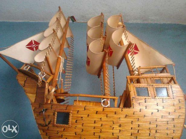 Barco á Vela de Decoração