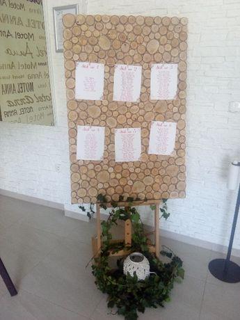 Tablica drewniana do planu stołów